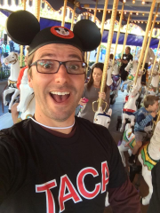 Bob Sears posted his pic wearing Mickey Mouse ears a month before the big Disneyland measles outbreak...